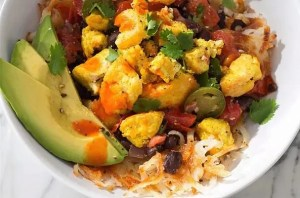 Breakfast bowl recipe with vegetables and healthy grains