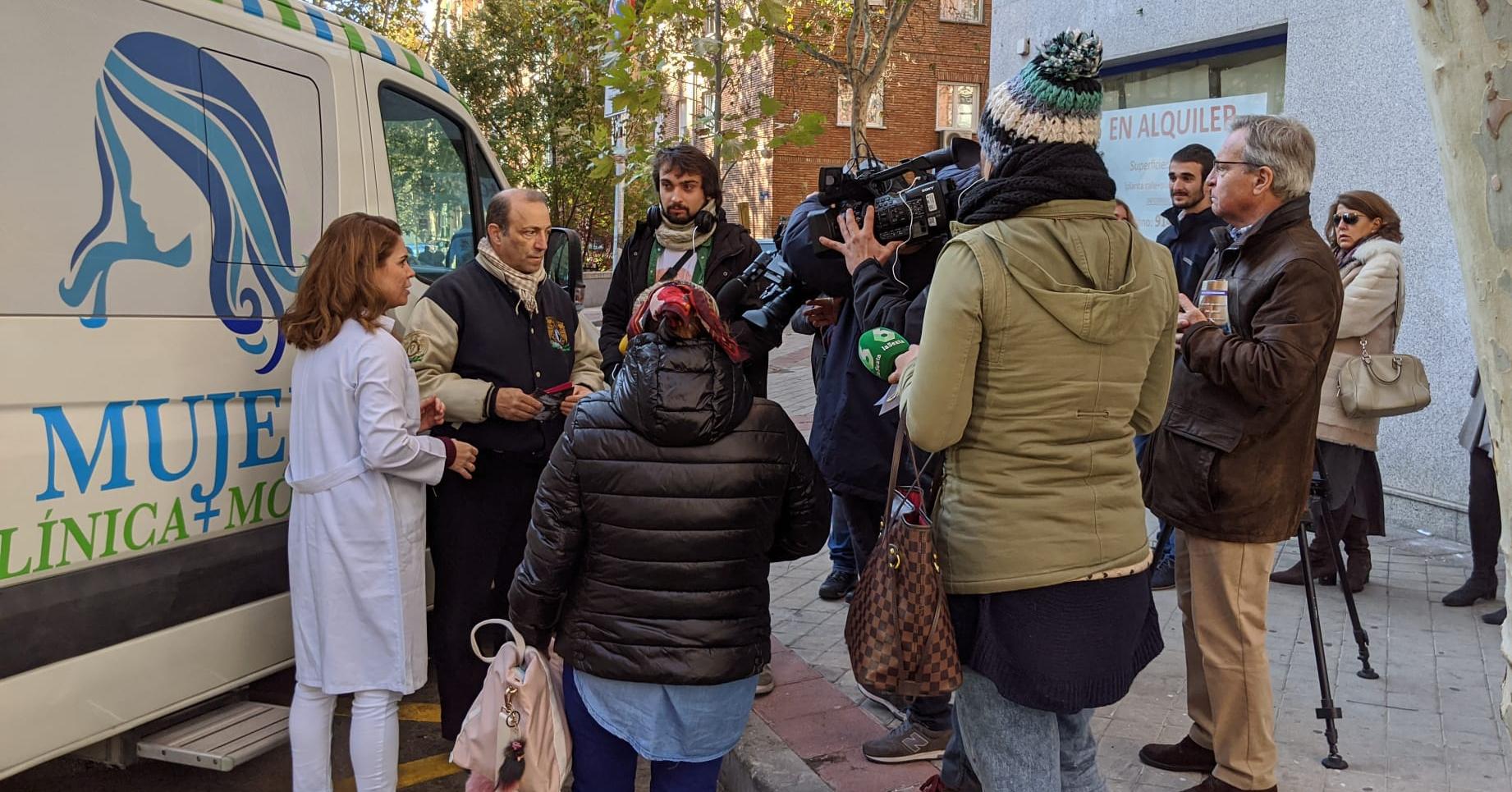 Ambulancia Vida, un proyecto para que la mujer conozca la verdad