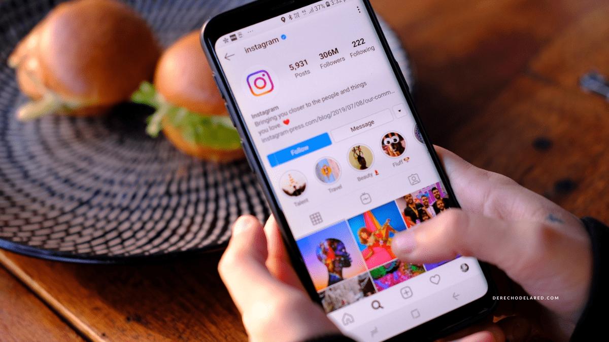 Instagram corrige un fallo que permitía ver cuentas privadas sin seguirlas.