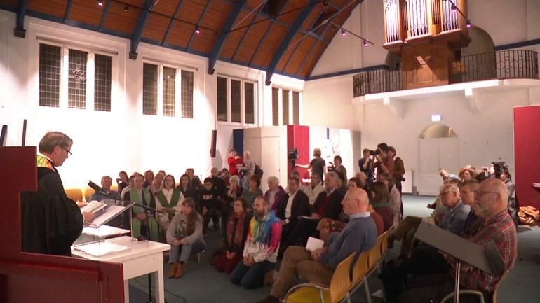 kerkasiel in de Bethelkapel in Den Haag met oa Rene de Reuver Neo de Bono en Bettelies Westerbeek