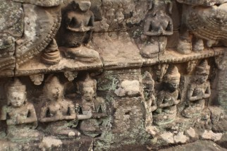 Relieves en roca Templo Bayon Angkor Thom Camboya Ruinas Angkor