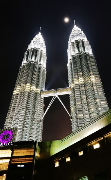 De Petronas Twin Towers in volle glorie.