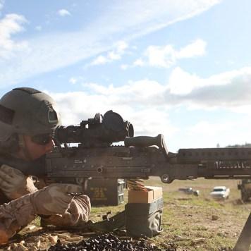 Derek Herrera Marine Special Operations Machine Gun 2560 2 @2x
