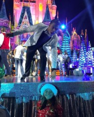 """""""Thank you @derekhough for taking a picture with me #derekhough #disneyparks #disneyholidaycelebration"""" - November 12, 2016 Courtesy madelyn-15 IG"""