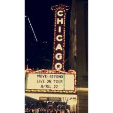 """A beautiful night in downtown Chicago! Did it really happen? Goodnight 🌌 #chitown 🌃 #moveliveontour #movebeyond #juleshough #juliannehough #derekhough #inspiring #touchedmyheart #saturdaynight"" Courtesy veraskocen ig"