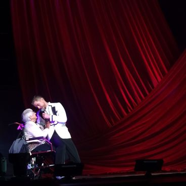 """""""Such a sweet moment. They just lifted her right onto the stage. Wheelchair and all ❤️ @derekhough #movebeyond"""" courtesy tdbazar ig"""