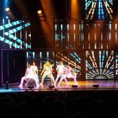 """MOVE!! Do you guys like @juleshough and Derek Hough? #movebeyond #movebeyondtour #dance #dancer #stars #starstruck #fangirl #show #concert #instagram #insta #go #dancingwiththestars #motionequalsemotion #adventures #dowhatyoulove #hot #fit #impressive #footloose #best #siblings"" courtesy seth_perman ig"