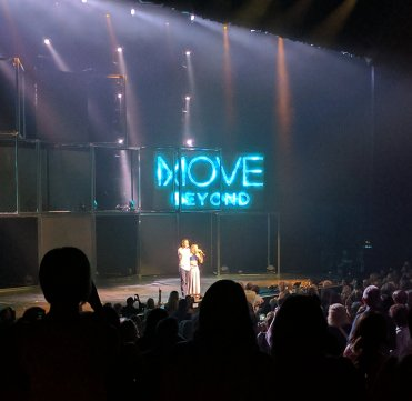 """Amazing celebration of music and movement with @derekhough & @juliannehough #moveliveontour What a FUN night! 🕺"" Courtesy ErinGerdes tw"