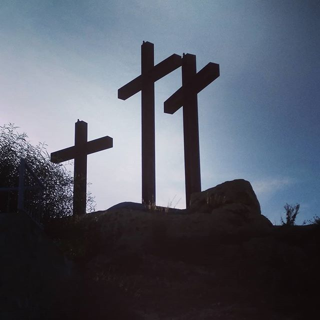 #autohash #Rojales #Spain #ComunidadValenciana #cross #religion #god #church #cemetery #landscape #sacrifice #grave #sky #spirituality #crucifixion #Resurrection #hill #light #mountain #outdoors #travel #traveling #visiting #instatravel #instago #backlit #tree - from Instagram