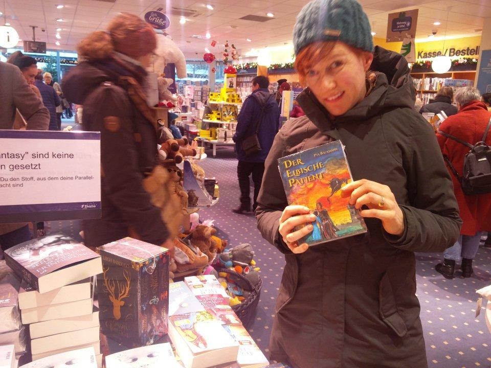 Die Autorin hat ihr Buch bei Thalia in ihrer Heimatstadt entdeckt.