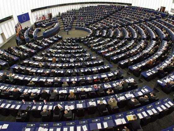 Commissione Europea, DeRev tra le 5 migliori piattaforme di crowdfunding