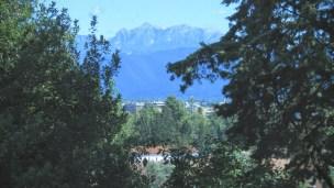 Udine, die Stadt umrankt von den blauen Bergen ...