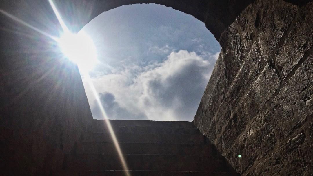 Hochsteigen auf der Treppe im Serranos-Turm Valencia: Mein Thrill
