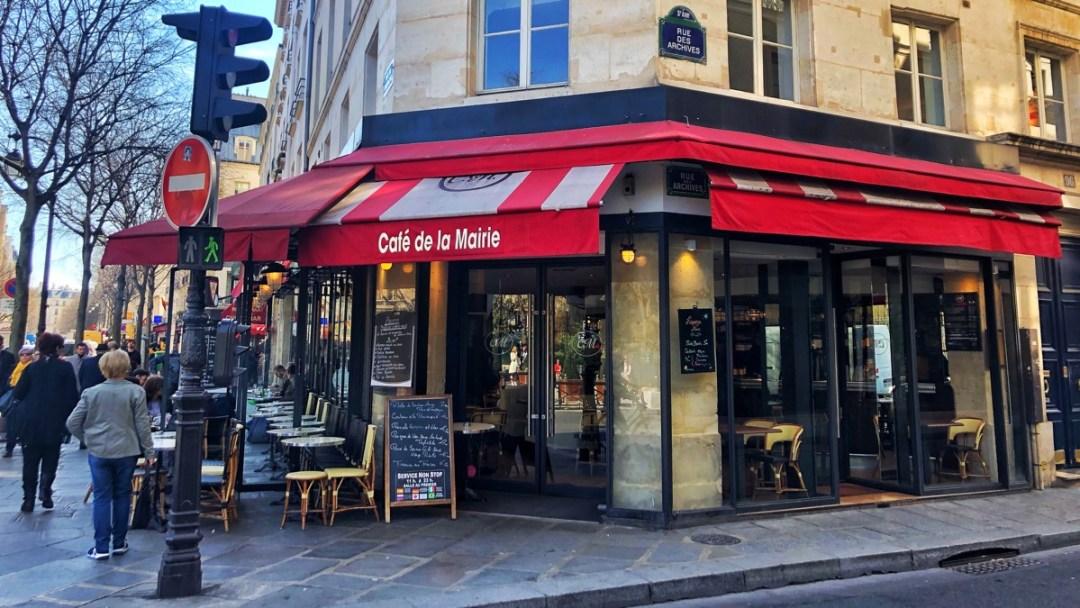Paris Marais: Cafe de la Mairie
