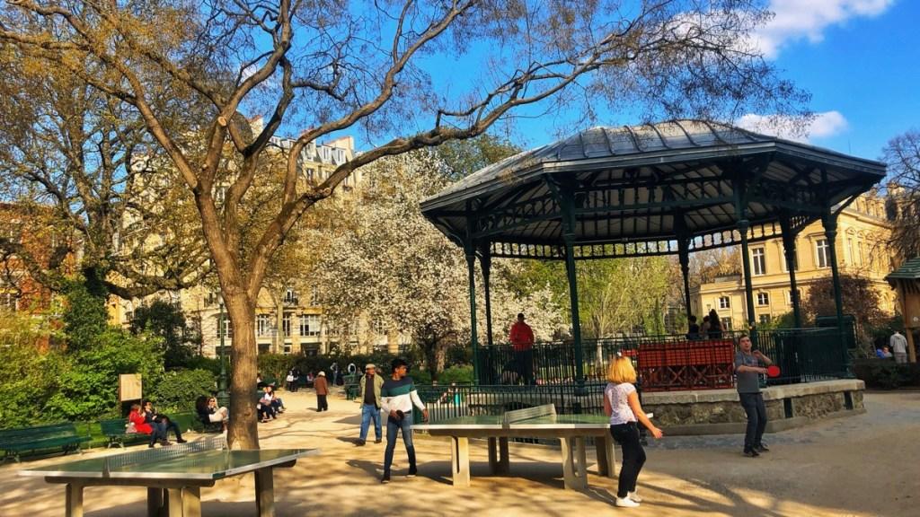 Paris-Marais: Square du Temple Elie Wiesel