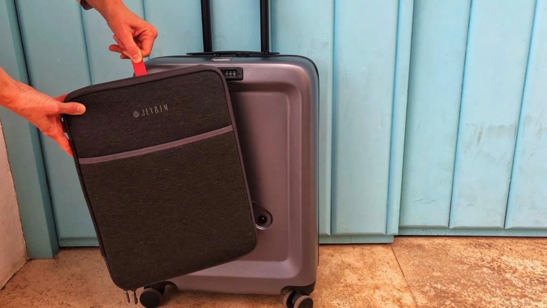 Laptop-Tasche an Kopper anklippen - und abklippen