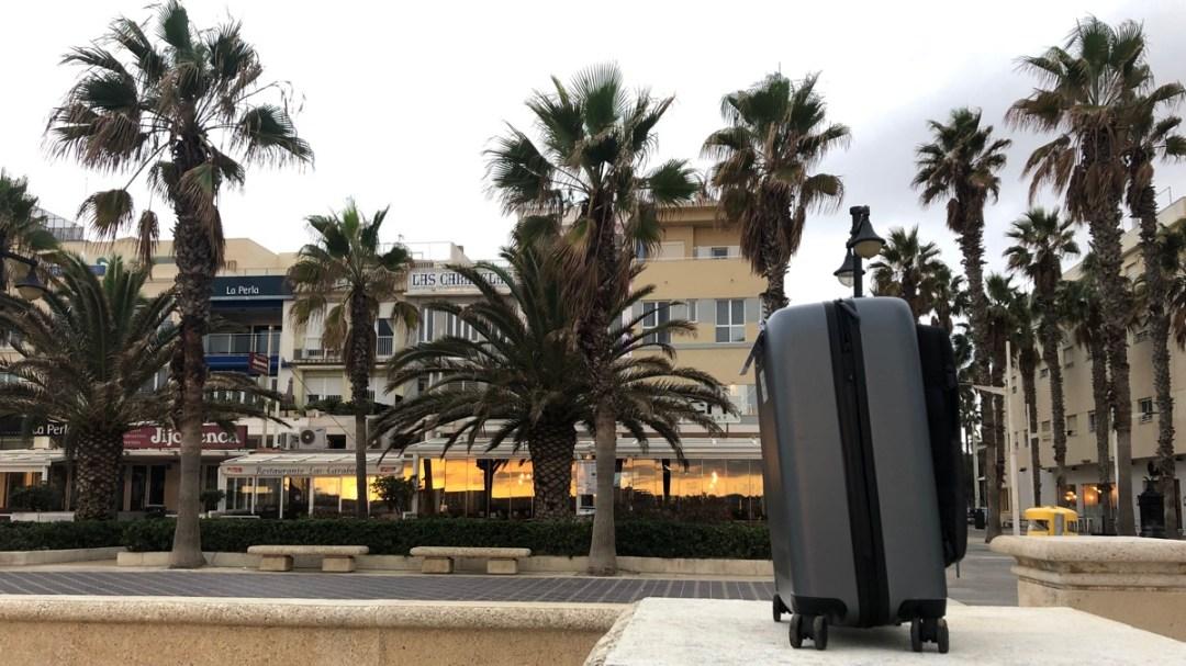 Smarter Koffer Jey & Em im Test: Kabinengepäck neu gedacht: Der Koffer mit 5-Grad-Neigung, Schweizer Design von Jey&Em