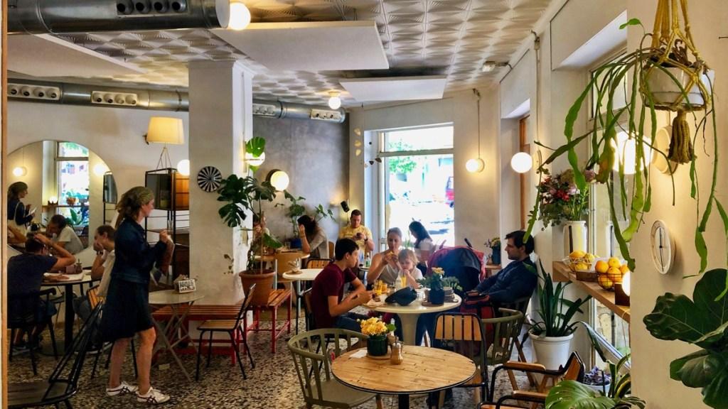 Innenansicht des Cafes Dulce de Leche in Valencia, Calle de Cuba, Stadtquartier Ruzafa