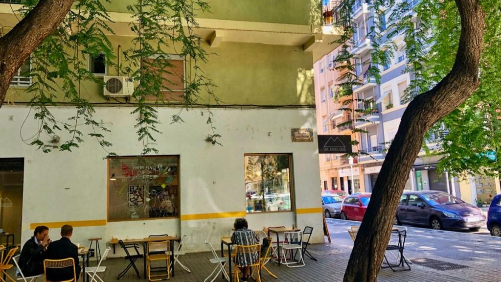 Stadttour durch das Trendviertel Ruzafa in Valencia. Hier ein Kaffeehalt im Cafe Los Picos