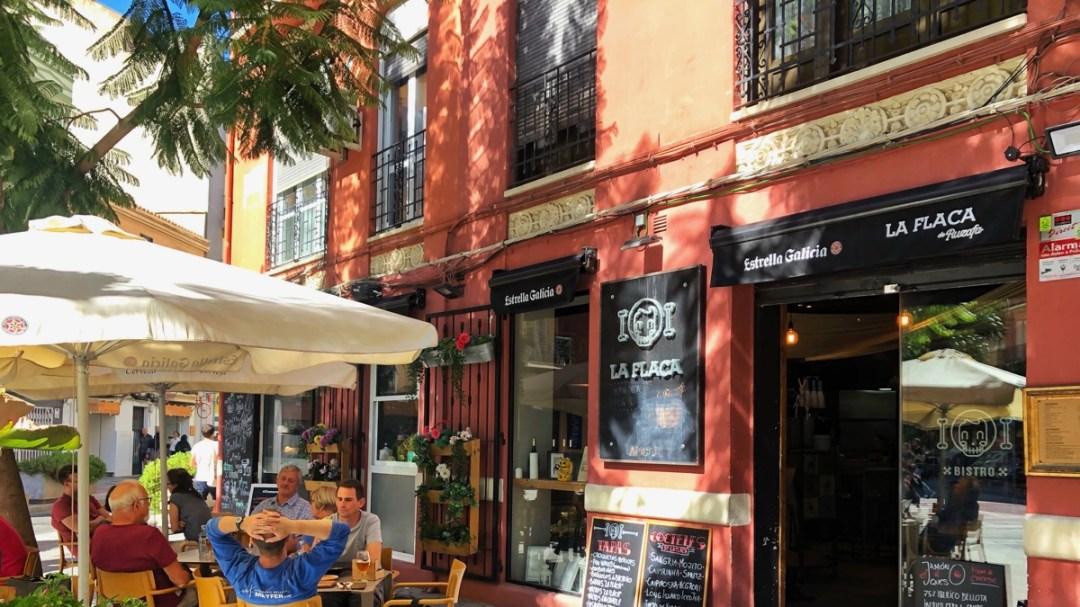 Modernes Tapas-Lokal in Valencia im Stadtteil Russafa: La Flaca de Ruzafa, an der Calle de Cuba, Aussenansicht