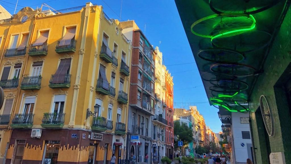 Charmantes Quartier Russafa in Valencia. Coole Trendmeile.