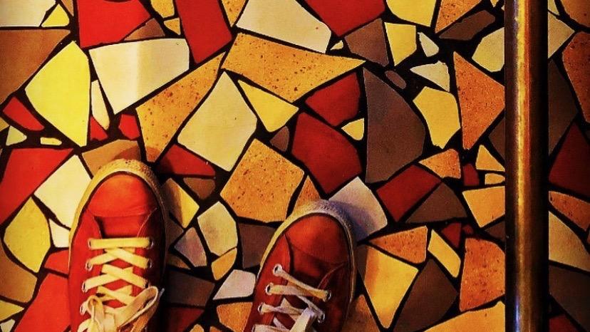 Instagram-Blick auf den Boden im Chez Marion Zürich