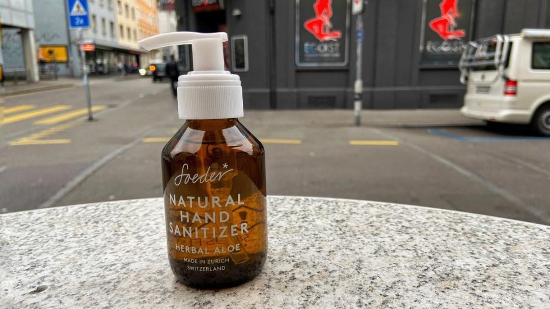 Soeder Desinfektionsmittel stylish, aufgenommen im Quartier Aussersihl Tribeka Zürich
