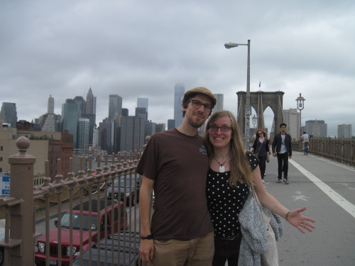 Posing auf der Brooklyn Bridge I
