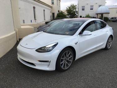 Tesla_Model_3_02