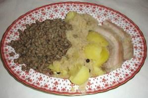 Spätzle mit Kraut und Kartoffeln