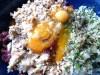 Brot, Eier, Hackfleisch, Zwiebeln und Petersilie