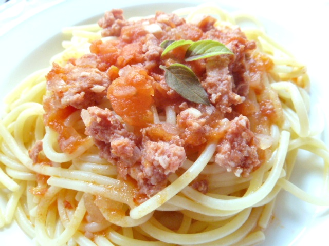 Spaghetti mit Salsicciasugo