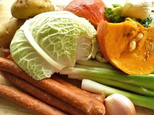 Das Gemüse und die Debreziner