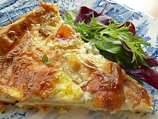 Birnen-Gorgonzola-Tarte mit Serranoschinken