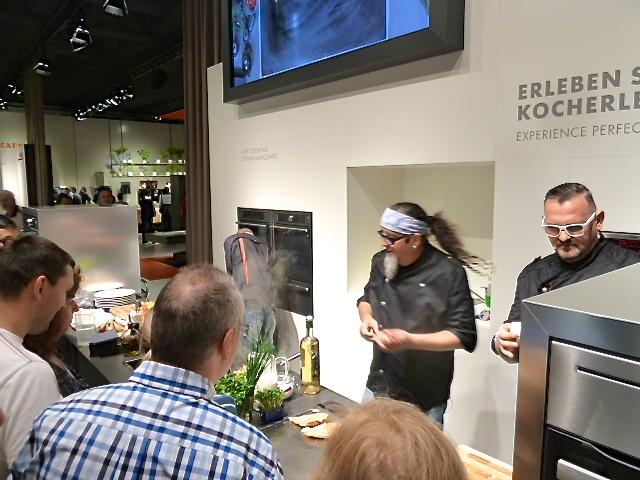 Stefan vor dem Bloggerduell bei der Kochshow