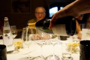 die Weinprobe, beginnend mit dem Spumante