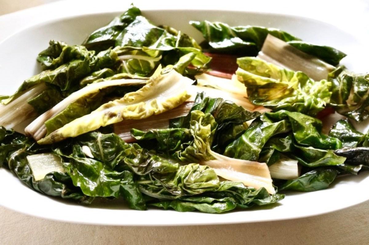 Frisch mit Zitronensaft und Olivenöl