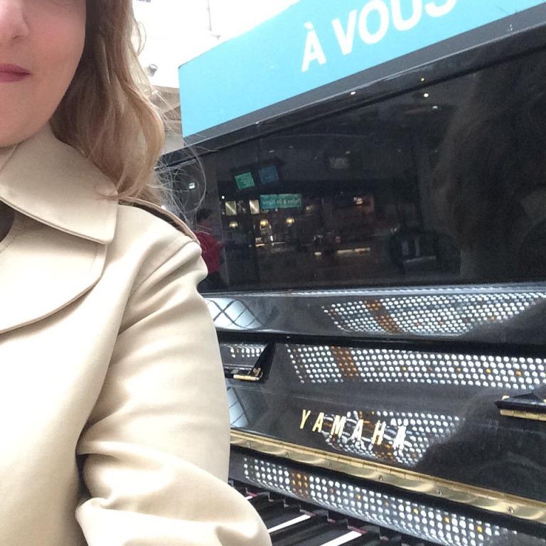 Gare de l'Est, hier kann sich jeder ans Klavier setzen