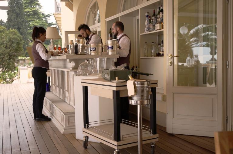 die Bar auf der Terrasse
