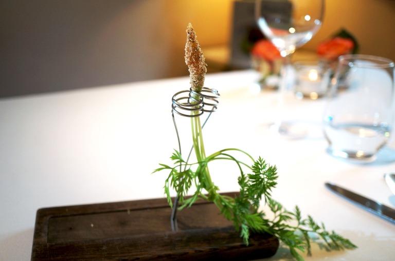 Karotte mit weißem Mohn