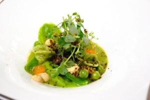 und auf dem Tisch: Erbse-Morchel-Eigelb-Schwarzwald miso