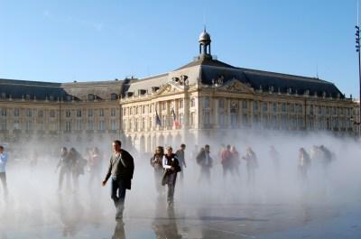 XDSC_7643-Effet-brouillard-Miroir-d-eau-quai-de-la-Gironde
