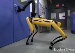 """Spot Mini, el """"perro robot"""" de Boston Dynamics puede abrir puertas y se hace viral"""