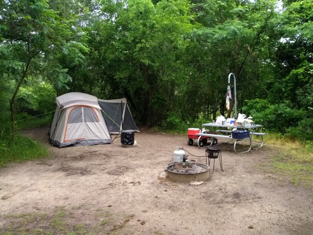 Camping - Dinosaur Valley