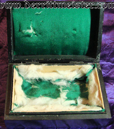 GERMANY- STORAGE BOX - ROSE MOTIF - Imperial German Military Antiques Sale