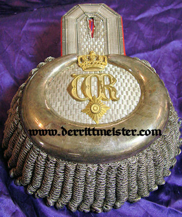 PRUSSIA - EPAULETS - GENERAL LIEUTENANT/ADJUTANT TO KAISER WILHELM II - ORIGINAL STORAGE BOX - Imperial German Military Antiques Sale