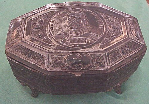 PATRIOTIC BOX  - FEATURING GENERALFELDMARSCHALL PAUL von HINDENBURG - Imperial German Military Antiques Sale