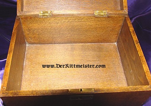GERMANY - PATRIOTIC BOX - HIGH QUALITY WOODEN - FEATURING THE 1914 IRON CROSS - Imperial German Military Antiques Sale