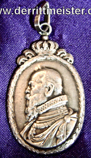 BAVARIA - PRESENTATION MEDALLION/PENDANT COMMEMORATING PRINZREGENT LUITPOLD von BAYERN'S LIFE - Imperial German Military Antiques Sale