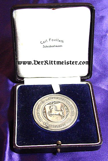 BRAUNSCHWEIG - TABLE MEDAL - CHAMBER OF COMMERCE  - ORIGINAL PRESENTATION CASE - Imperial German Military Antiques Sale